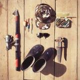 Koszt stały podstawy dla rybaka Fshing equipmen i sprzęt Obrazy Royalty Free