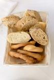 Koszt stały Asortowany chleb w Rectabgular koszu Obraz Stock