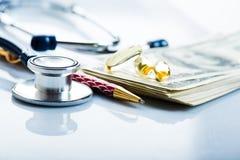Koszty dla ubezpieczenia medycznego Fotografia Royalty Free