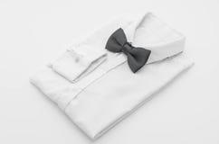 koszula z łęku krawatem Zdjęcie Royalty Free