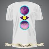 Koszulka projekt z kolorową abstrakcjonistyczną ilustracją z trójbokiem Fotografia Royalty Free