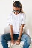 Koszulki mockup na modelu Zdjęcie Royalty Free