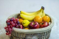 2 koszy owoców Zdjęcie Royalty Free