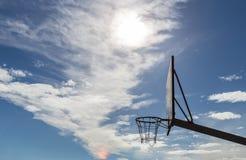 koszykówka deska sport sieci słoneczny dzień obraz stock