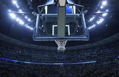 Koszykówka obręcz w arenie sportowa fotografia stock