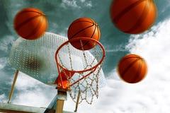 Koszykówka obręcz. Zdjęcie Royalty Free