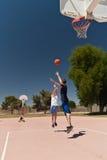 koszykówki chłopiec bawić się Obraz Royalty Free