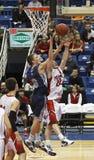 koszykówki chłopiec odskok Fotografia Stock