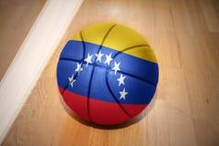 Koszykówki piłka z flaga państowowa Venezuela Fotografia Stock