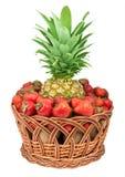 koszykowa ananasowa truskawka Zdjęcie Stock