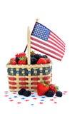koszykowe jagody zaznaczają patriotycznego Fotografia Royalty Free