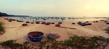 Koszykowe łodzie przy morzem w da nang Wietnam obraz royalty free