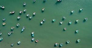 Koszykowe łodzie rybackie dla above w Wietnam zbiory wideo