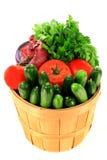 koszykowego wiadra świezi podpraw warzywa zdjęcia stock