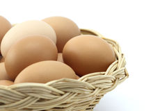 koszykowi jajka jeden zdjęcie stock