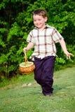 koszykowy chłopiec dziecka Easter dzieciaka bieg Obrazy Stock