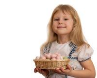 koszykowy Easter dziewczyny mienia ja target20_0_ Obrazy Stock