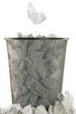 Koszykowy pełny biały wastepaper Obraz Stock