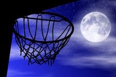 Koszykowy sylwetka blask księżyca Obrazy Royalty Free