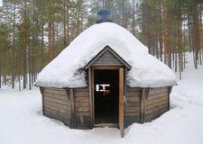 Kota finlandés en un paisaje nevado Fotografía de archivo libre de regalías