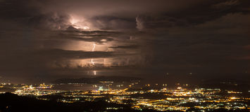 Kota Kinabalu Burzowa noc Obraz Stock