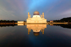 Kota Kinabalu mosque reflection Royalty Free Stock Photos