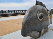 Kota Kinabalu, Sabah, Malesia. Monumento del pesce Immagini Stock Libere da Diritti