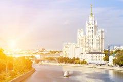 Kotelnicheskaya bulwaru budynek, widok od rzeki Fotografia Stock