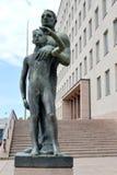 Kotka, Finlandia Figli della città di un ` della scultura del ` di Kotka fotografie stock libere da diritti