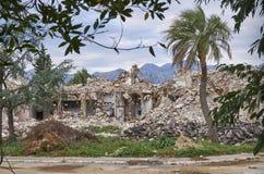 Kotor, Μαυροβούνιο, στις 15 Νοεμβρίου 2018 Τα ερείπια παραμένουν του προηγούμενου ξενοδοχείου Kotor φιορδ, στοκ φωτογραφίες