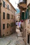 Kotor jest miasteczkiem przybrzeżnym w Montenegro Fotografia Royalty Free