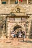 Kotor, Monténégro - 24 août 2017 : L'entrée principale à la vieille ville Photos libres de droits