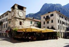 Kotor Montenegro - Juli 07, 2014: Klockatorn Royaltyfria Bilder