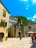 Kotor Montenegro - Maj 07, 2014: Kyrka för St Luke ` s på fyrkant för St Luke ` s Royaltyfri Bild