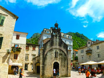 Kotor Montenegro - Maj 07, 2014: Kyrka för St Luke ` s på fyrkant för St Luke ` s Arkivfoton