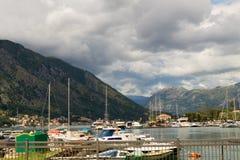 Kotor - Montenegro - Mooi landschap 08-2016 op marine dichtbij de Oude Stad, Montenegro, Europa Stock Fotografie