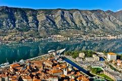 Kotor Podpalany i Stary Grodzki widok, Montenegro Obrazy Stock