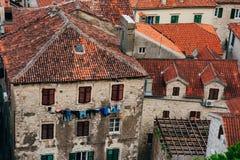 kotor starego miasta ceglana miasta dziewczyny ulic ściana Obraz Stock