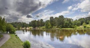 Kotorosl-Fluss Yaroslavl, Russland stockfotos