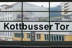 Kottbusser Tor i Berlin, Kreuzberg arkivbild