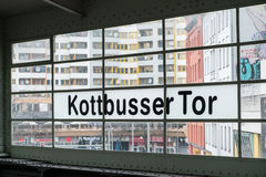 Kottbusser Tor i Berlin, Kreuzberg fotografering för bildbyråer