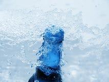 Koude bierfles stock afbeelding