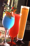 Koude cocktail en vers sap Royalty-vrije Stock Afbeeldingen