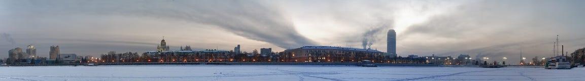 Koude dageraad. De mening van de stad. Royalty-vrije Stock Foto's