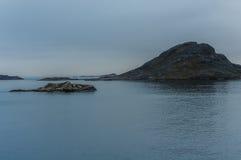 Koude wazige ochtend in Nanortalik, Groenland stock fotografie