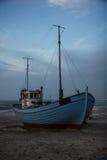 Koude zonsondergang bij het strand in Thisted, Denemarken Royalty-vrije Stock Afbeeldingen