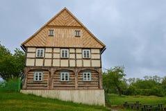 KOURIM - 5月24日:传统村庄房子从18世纪 免版税库存图片