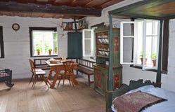 KOURIM - 24 MAGGIO: Interno della casa del villaggio a partire dal XVII secolo Immagini Stock Libere da Diritti