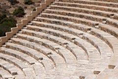 KOURION, CYPRUS/GREECE - 24 DE JULHO: Ampitheatre restaurado no foto de stock royalty free