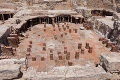 KOURION, CYPRUS/GREECE - 24 JULI: Blijft bij de oude stad o stock afbeelding